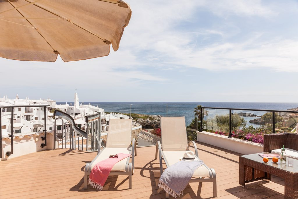rooftop with four-poster beds in Menorca Binibeca